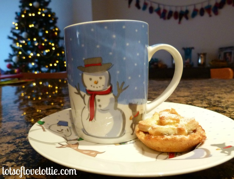 Lots of Love Lottie Blog Gingerbread Hot Chocolate 3